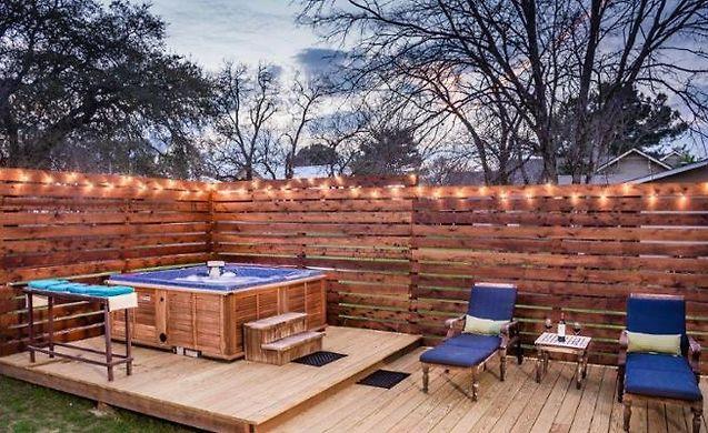 HOTEL ARMADILLO INN HOME, FREDERICKSBURG, TX